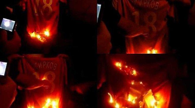 В Одесі побачили чоловіка у футболці збірної Росії – він вщент спалив її