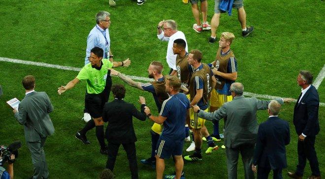 Немецкий футбольный союз наказал виновных за празднование победного гола перед тренерским штабом шведов