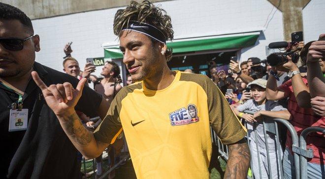 Неймар собирается вернуться на поле впервые после Чемпионата Мира