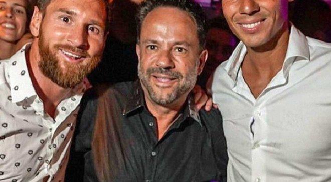 Месси с Надалем, Модрич на свадьбе, а Роналду в Китае: как звездные футболисты проводят отпуск