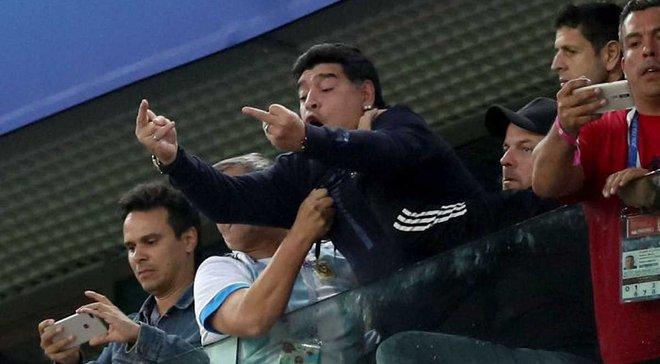 Марадона пытался сесть пьяным за руль автомобиля