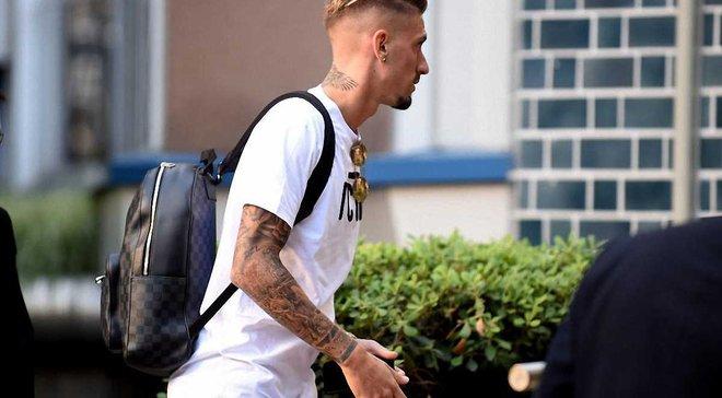 Кастильехо и Лаксальт прибыли в Милан для прохождения медосмотра