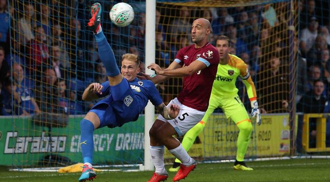 Вест Хэм с Ярмоленко совершил камбэк в Кубке английской лиги против Уимблдона
