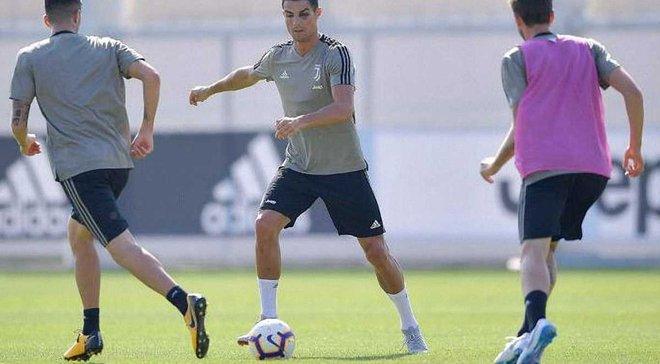 Роналду появился на тренировке Ювентуса с синяком под глазом