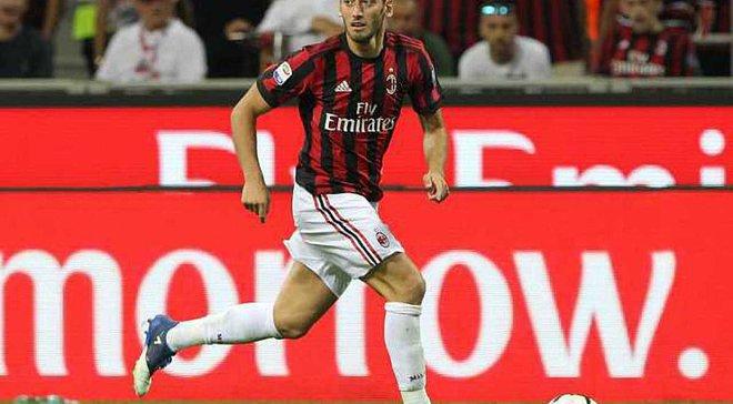 Чалханоглу пропустит старт Милана в Лиге Европы из-за перелома пальца