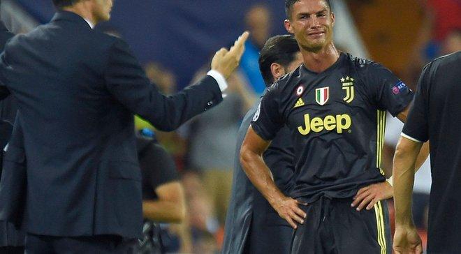 Роналду получил красную карточку впервом матче за«Ювентус» вЛЧ