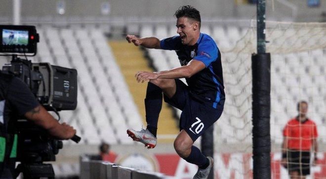 Футболіст Цюріха впав у яму, святкуючи забитий гол, – курйоз дня у Лізі Європи