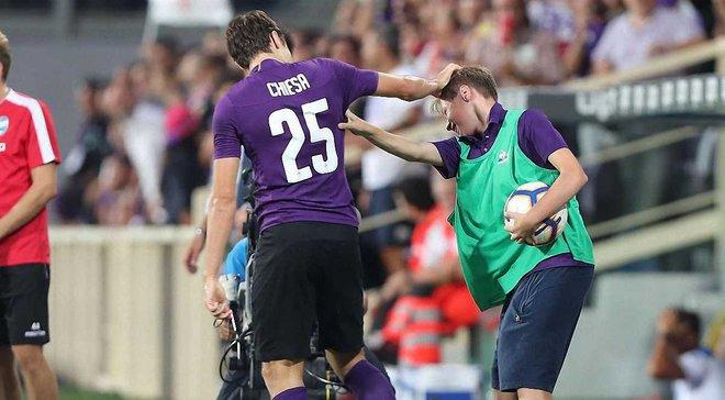 Кьеза отпразновал гол СПАЛу вместе с младшим братом, который был болбоем на матче – видео дня из Серии А