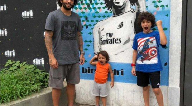 Прикол дня: Син Марсело познущався над Гарі Невіллом під час гала-церемонії ФІФА