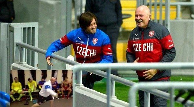 Чехія божевільно відсвяткувала перемогу в дербі проти Словаччини – масажист патріотично заводить перед Україною