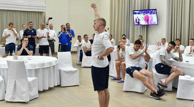 Збірна України отримала сюрприз у вигляді вареників з нагоди Дня захисника України