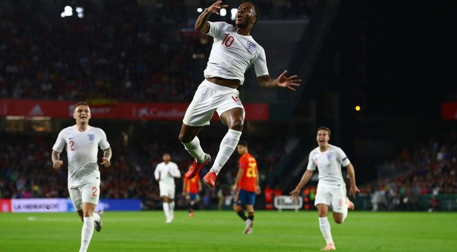 Стерлинг оформил первый дубль в составе сборной Англии и прервал неприятную для себя серию