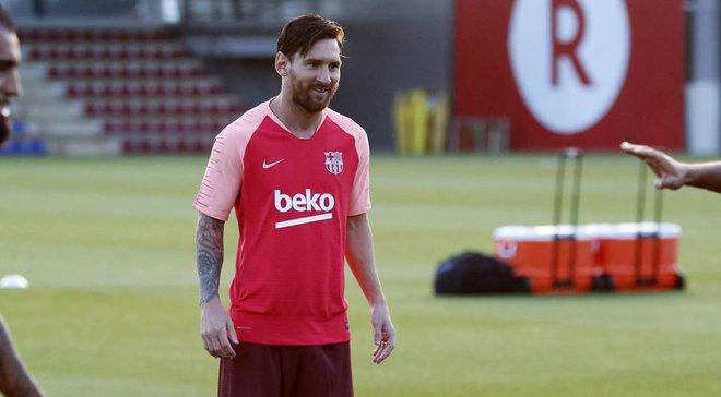 У мережі з'явився можливий комплект виїзної форми Барселони сезону 2019/20