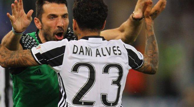 Дани Алвес хотел бы обменять 3 трофея Лиги чемпионов на одну победу на чемпионате мира