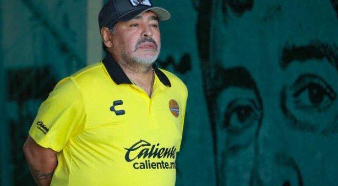 Марадона нуждается в немедленном протезировании коленей, – врач