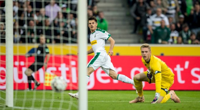 Боруссия М разгромила Майнц и поднялась на второе место: 8-й тур Бундеслиги, матчи воскресенья