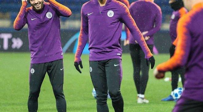 Манчестер Сіті провів веселе тренування в Харкові перед матчем Ліги чемпіонів проти Шахтаря