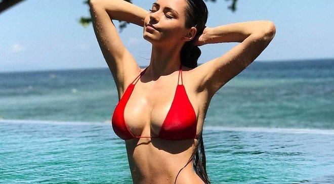 Пишногруда російська модель поділилась дуже відвертими фото – через неї зірка Баварії покинув сім'ю