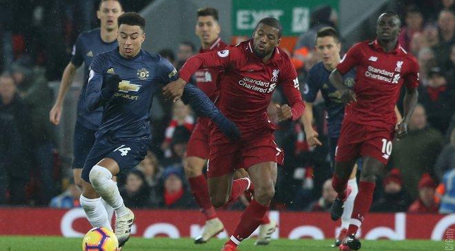 Ліверпуль – Манчестер Юнайтед: стюард кумедно відбив удар Феллаїні та впав зі стільця