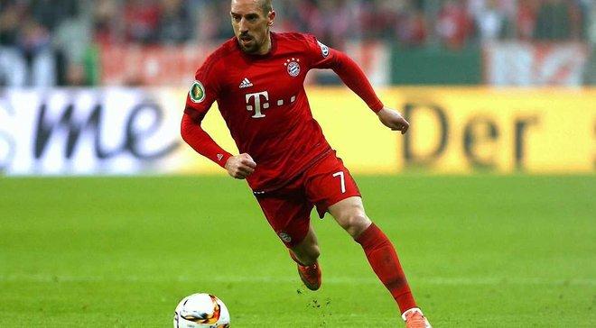 Баварія оштрафувала Рібері за образу фанатів, які критикували його за стейк  ціною в 1200 євро