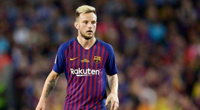 Барселона планує продати трьох гравців через трансфер де Йонга