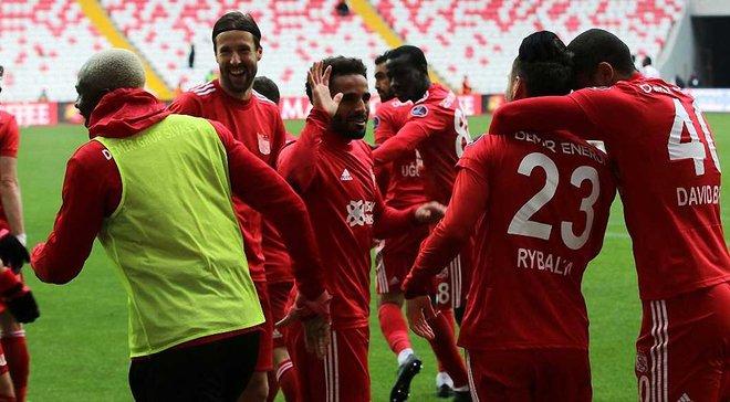 Рибалка відзначився асистом за Сівасспор і вдруге поспіль став найкращим гравцем матчу в Туреччині