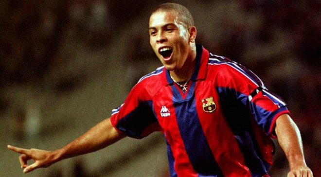 Роналдо, выступавший за Барселону и Реал, признался, за кого будет болеть в Эль Класико