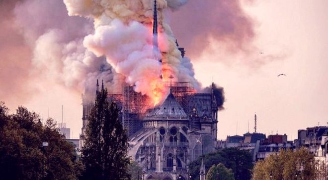 Нотр-Дам де Пари в огне: как футбольный мир оплакивает трагедию легендарного Собора