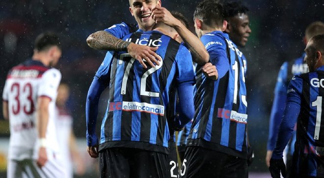 Неожиданная победа Аталанты в борьбе за Лигу чемпионов в видеообзоре матча с Наполи – 2:1