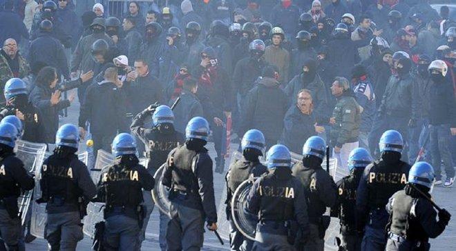 Беспорядки перед матчем Аталанта – Лацио: сожженые полицейские машины, слезоточивый газ и разъяренный Синиша Михайлович