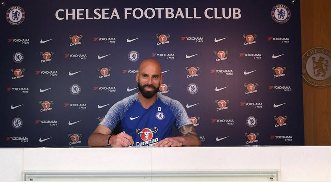 Челсі продовжив контракт з 37-річним Кабальєро