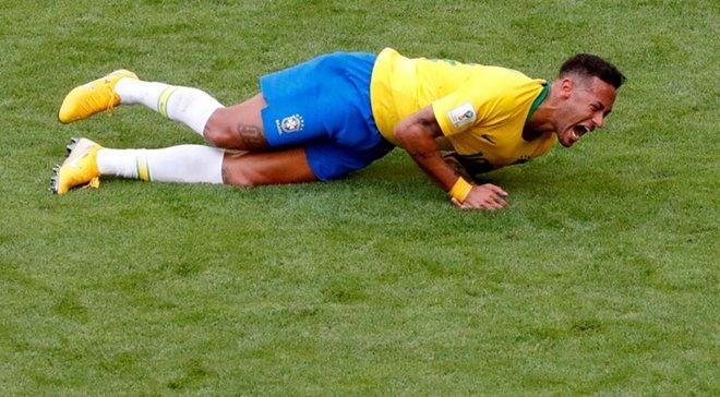Неймар не зміг завершити тренування збірної Бразилії через проблеми з коліном