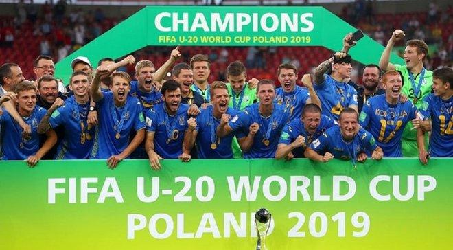 Игроки Украины U-20 безумно отпраздновали победу на чемпионате мира, едва не сорвав послематчевую пресс-конференцию