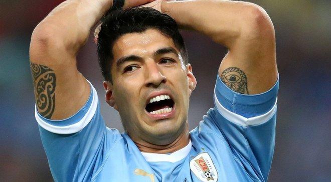 Суарес апеллировал к арбитру за игру рукой голкипера Чили – конфуз дня
