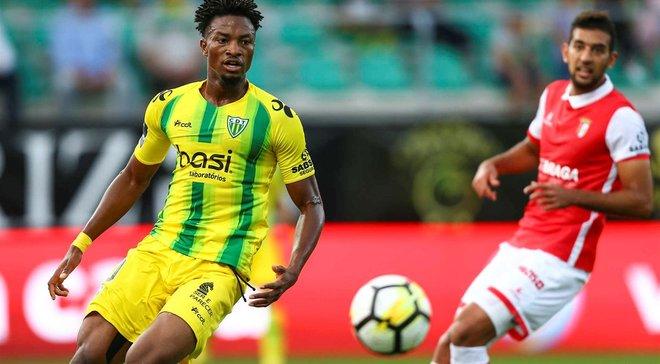 Динамо интересовалось нигерийским защитником – тот выбрал клуб Мбокани