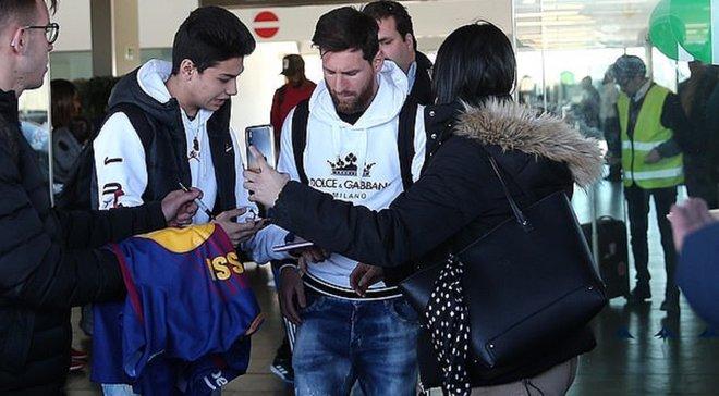 Месси вернулся в Барселону после отпуска