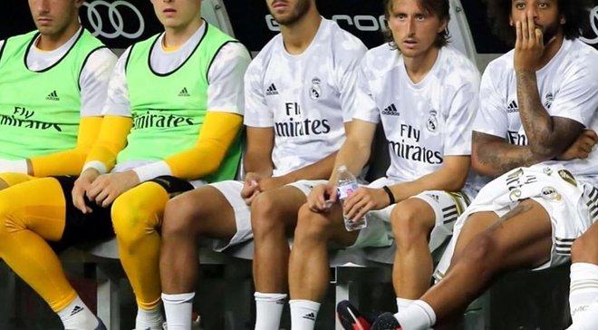 """""""Дайте Луніну довбаний шанс"""": Реал пропустив 7 голів – фанати та іспанські ЗМІ знайшли винних, а каталонці насміхаються"""
