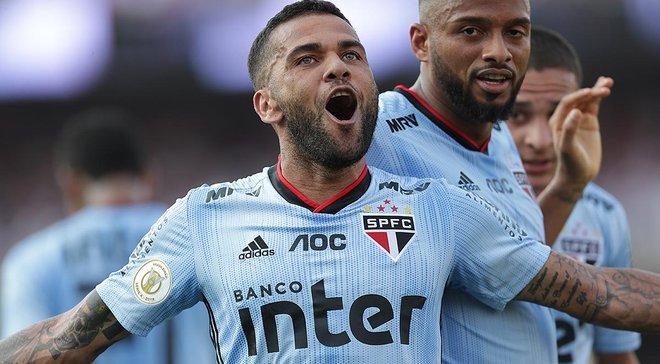 Дані Алвес забив переможний гол у першому ж матчі за Сан-Паулу