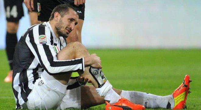 Кьеллини получил травму крестообразных связок колена – капитан Ювентуса может вылететь на полгода
