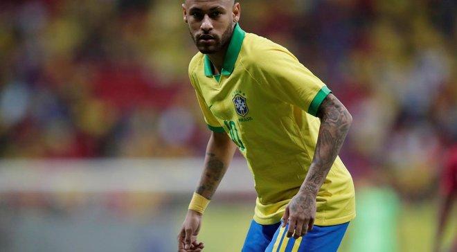 """Давинсон Санчес грубо толкнул Неймара в рекламный щит – бразилец был не готов к такому """"приветствию"""""""