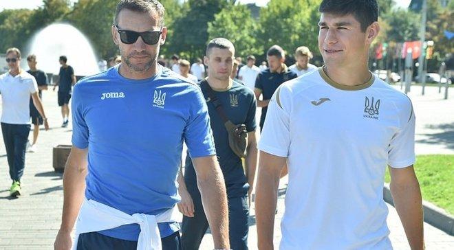 """Україна – Нігерія: """"синьо-жовті"""" традиційно прогулялись містом перед матчем – на Дніпро-Арені очікується аншлаг"""