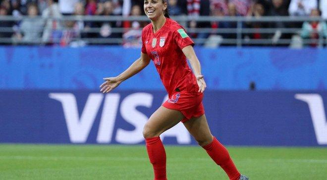 """""""Замять дело об изнасиловании помогли деньги"""", – легенда женского футбола раскритиковала Роналду"""