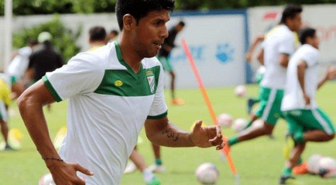 Игрок сломал ногу и был вынужден ехать в больницу в багажнике такси – футбольный абсурд в чемпионате Боливии