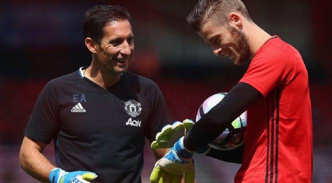 Манчестер Юнайтед звільнив тренера воротарів – фахівця у клуб запрошував Моурінью