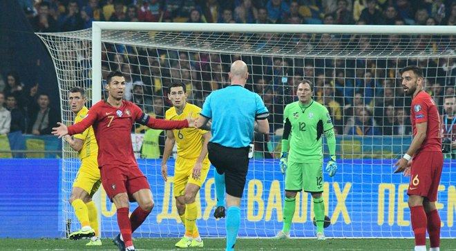 Украина – Португалия: известный английский арбитр раскритиковал решение назначить пенальти в ворота команды Шевченко
