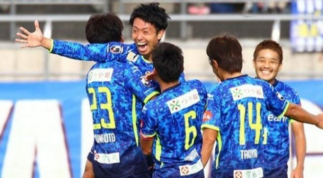 Убойный футбол возвращается: в Японии голкипер пропустил 2 гола с чужой половины поля за 2 минуты