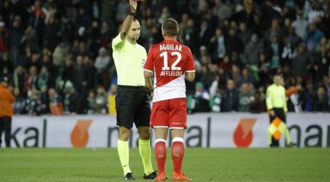 Захисник Монако потрощив обладнання VAR після свого вилучення