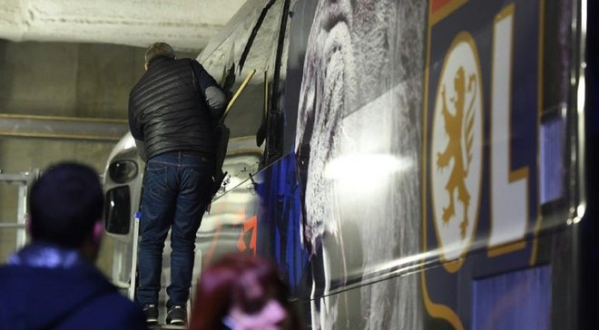 """""""Мы попали в засаду"""": фанаты Марселя атаковали автобус с игроками Лиона"""