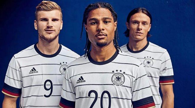 Adidas выпустил форму сборной Германии с ошибками в фамилиях