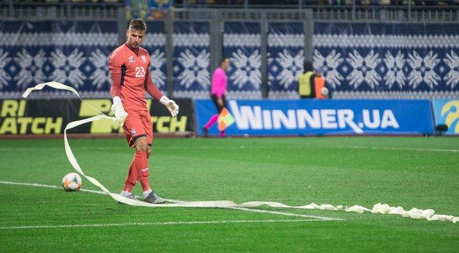 Лунин поздравил сборную Украины с победой над Эстонией – вратарь два месяца не появлялся на поле